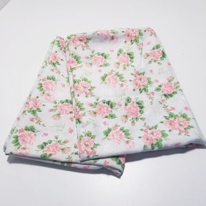 Betsy Johnson Full Fitted Sheet /2 Pillowcases